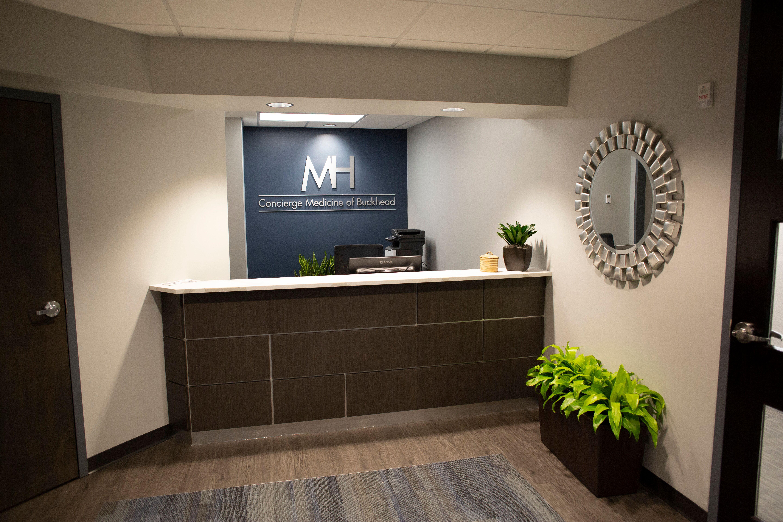 Concierge Medicine of Buckhead receptionist desk